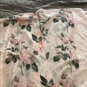 PRICE NEGOTIABLE floral rose women's kimono
